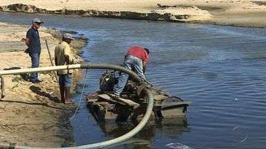 PMA realiza limpeza no canal da 13 de Julho - Reclamação dos moradores é antiga.
