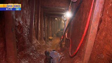 Prefeitura de Porto Alegre fechará túnel aberto por presos - Polícia acredita que criminosos tiveram ajuda de profissional da construção.