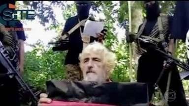 Grupo extremista islâmico das Filipinas divulga vídeo de suposta decapitação de refém - O grupo extremista islâmico das Filipinas Abu Sayyaf divulgou um vídeo da suposta decapitação de um refém alemão. Jurgen Kantner, de 70 anos, foi sequestrado em novembro. O grupo exigia o pagamento de US$ 600 mil num prazo que terminou no domingo, 26