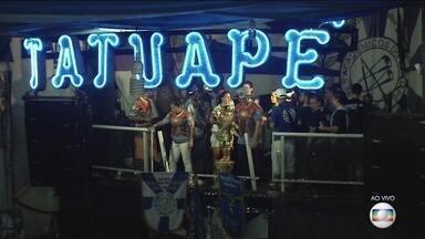 Acadêmicos do Tatuapé é campeã pela primeira vez do carnaval de SP - Escola conquistou o título inédito no critério de desempate. Agremiação homenageou a história da Mãe África.