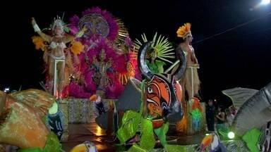 Terça-feira foi mais uma noite de desfile de escolas em Campo Grande - Quatro escolas desfilaram na passarela do samba da capital sul-mato-grossense.