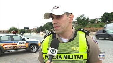 Policiamento nas estradas quer garantir retorno tranquilo após o carnaval - Movimento mais intenso de volta para casa só deve terminar no fim do dia.
