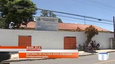 Pais reclamam de atraso de mais de dois anos em reforma de escola em Pinda - Eles criticam as constantes transferências das crianças