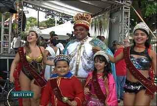 Carnaval da Praça da Gentilândia reúne crianças e adultos - Local foi animado por bandas com músicas de marchinhas e clássicos do axé.