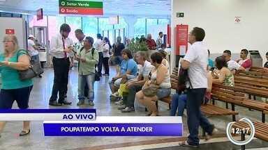 Poupatempo volta a atender após o final de semana prolongado - Usuários procuram os serviços oferecidos pelo posto em São José.