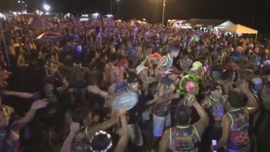 Carnaval em praia no Rio Negro anima foliões no interior do AM - Festa foi realizada em São Gabriel da Cachoeira.