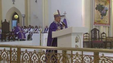 Missa de Quarta-feira de Cinzas marca início da Quaresma - Celebração também lembrou o começo da Campanha da Fraternidade 2017.