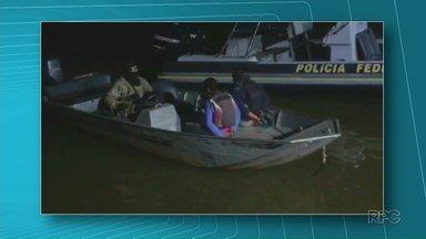 Nepom apreende embarcação carregada de cigarros do Paraguai no rio Paraná - Foram encontrados 30 mil maços de cigarros paraguaios dentro da embarcação.