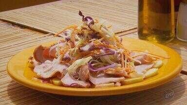 Fernando Kassab ensina a fazer receita de salada com carne de porco - Fernando Kassab ensina a fazer receita de salada com carne de porco