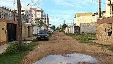 Falta de pavimentação é motivo de reclamação de moradores do Bairro Coroa do Meio - Falta de pavimentação é motivo de reclamação de moradores do Bairro Coroa do Meio, em Aracaju.
