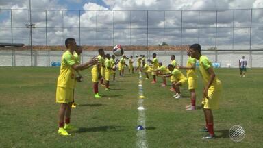 Flu de Feira tem desfalque no time; técnico faz mudanças para ajustar a equipe - Confira as notícias do time do interior baiano.