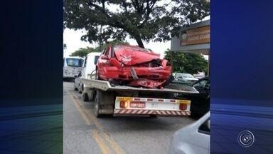 Motorista morre e quatro pessoas ficam feridas após acidente em Itu - Um motorista de 21 anos morreu e outras quatro pessoas ficaram feridas durante um acidente ocorrido na madrugada deste sábado (4), no Centro, em Itu (SP).