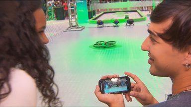 Espaço tecnológico oferece informação com muita diversão - As brincadeiras estão em um shopping e são todas de graça.
