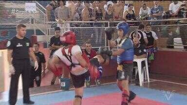 Filho de Claudio Clarindo estreia no Kick Boxing - João Vitor Clarindo encontrou no esporte uma maneira de aliviar a dor da saudade do pai.