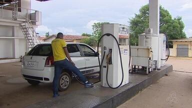 Preço da gasolina sofre queda em postos de combustíveis de Macapá - Combustível chegou a quase R$ 4, agora é encontrado por até R$ 3,55.