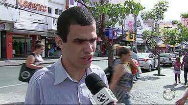Semáforos sonoros estão sem funcionar em Caruaru - Falta dos semáforos acaba dificultando a locomoção dos deficientes visuais.