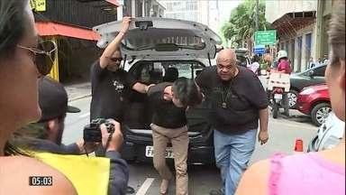 Máfia chinesa extorquia até R$ 10 mil por mês de comerciantes do Centro da capital paulist - Catorze pessoas ligadas à organização foram presas em uma operação da polícia em SP.