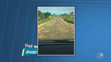 Telespectador envia imagens de estrada esburacada na BA-667 - Veja no Você no BMD. Envie sua denúncia para bmd@redebahia.com.br ou pelo WhatsApp, através do número (71) 9 9967-0886.