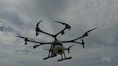 Drones passam a fazer parte do combate de pragas nas plantações de Goiás - Produtores do estado avaliam que tecnologia tem se mostrado eficiente.