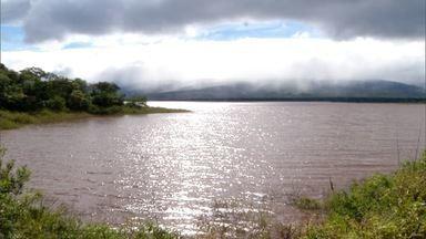 Água de barragem em Engenheiro Dolabela, está sendo mal utilizada - A barragem do distrito que pertence ao município de Bocaiuva, está abandonada.