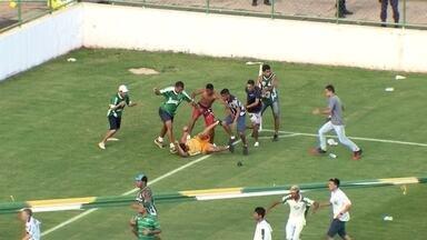 Confusão generalizada marca o clássico Gama x Brasiliense pelo Candangão - Confusão generalizada marca o clássico Gama x Brasiliense pelo Candangão