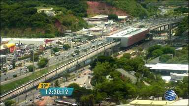 Veja imagens do trânsito na Avenida ACM e no cruzamento da BR-324 com a Luís Eduardo - Confira no radar do BMD.