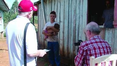 Missionários poloneses levam alegria e esperança para famílias de Cruz Machado - Veja na reportagem.