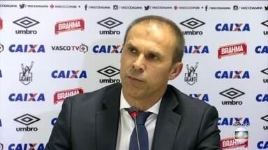 Vasco apresenta Milton Mendes, novo treinador da equipe - Técnico não quis revelar seus primeiros passos no cargo antes de conversar com os jogadores.