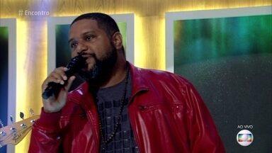 Marquinhos OSócio canta 'Lanterna dos Afogados' - Cantor interpreta música que está na trilha da novela 'Sol Nascente'