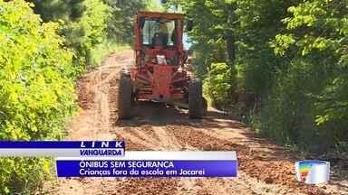 Problema em estrada impede alunos de irem a escola - Caso ocorre em Jacareí.