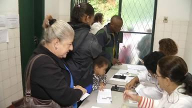 Petrópolis, RJ, recebe atraso na chegada das vacinas contra febre amarela - Atraso foi de 2 horas e 30 minutos em Pedro do Rio.