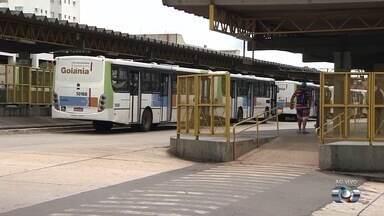 População reclama de ônibus parados no Terminal Padre Pelágio, em Goiânia - A Companhia Metropolitana de Transporte Coletivo (CMTC) disse que irá apurar as reclamações.