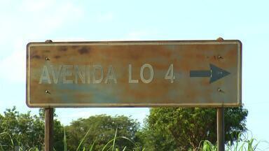 Motoristas reclamam de encontro de avenidas sem pavimentação - Motoristas reclamam de encontro de avenidas sem pavimentação
