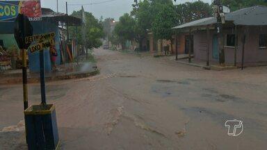Falta de investimento em sistema de drenagem afeta bairros no período de chuvas na região - Em período de chuvas, ruas ficam alagadas em vários pontos de Santarém.