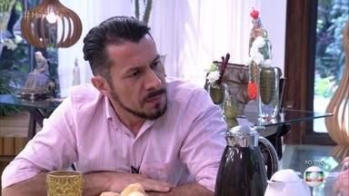 Rômulo fala sobre suas percepções sobre Emilly - O diplomata conta que já teve a oportunidade de assistir a alguns vídeos de Emilly e reitera tudo o que falou sobre a gaúcha dentro da casa do BBB17