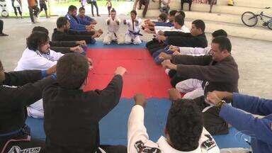 Aulão de Jiu Jitsu é realizado em Maceió - Evento é voltado para quem quer aprender técnicas ou conhecer um pouco mais sobre a arte marcial.
