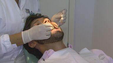 Pesquisadores desenvolvem anestesia dentária que não envolve agulhas - O método desenvolvido é através de uma fita colocada na gengiva do paciente.
