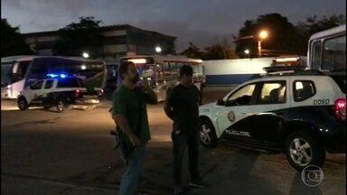 Polícia Civil faz operação em Duque de Caxias - Vinte e seis ônibus foram vistoriados e apresentaram problemas.