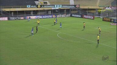 Ferroviária empata com o São Bernardo e luta para não cair - Com o resultado, equipe segue na vice-lanterna do Paulista.