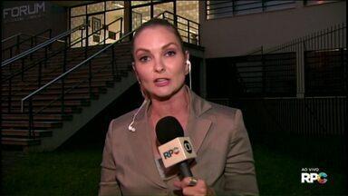 Júri do motoclube já dura mais de 10 horas - Crime aconteceu em 2015, em Ponta Grossa. Três pessoas foram assassinadas.