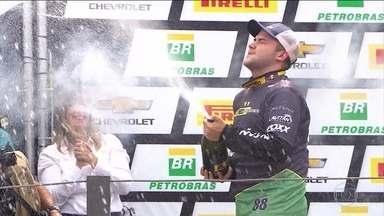 Conheça a trajetória de Felipe Fraga, o mais jovem campeão da Stock Car - Felipe é o atual campeão da categoria e busca o bicampeonato.