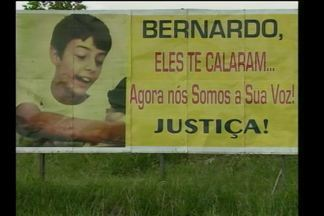 Comunidade de Três Passos, RS, espera pelo juri do Caso Bernardo - Na cidade muitas homenagens em frente à casa pedindo justiça.