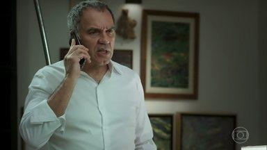 Eurico estranha demora de Silvana - Empresário não consegue falar com a esposa, que está jogando pôquer