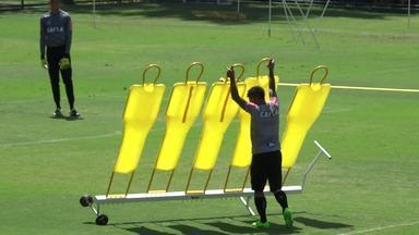 Otero derruba barreira e mostra sua força para colocá-la no lugar - Otero derruba barreira e mostra sua força para colocá-la no lugar