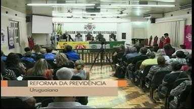 Reforma da previdência é tema de palestra em Uruguaiana, RS - Presidente do Instituto Brasileiro de Direito Previdenciário tirou dúvidas do público que lotou a Câmara de Vereadores.