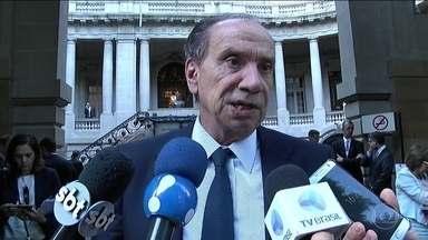 Ministro das Relações Exteriores do Brasil condena ataque dos EUA - Governo declara preocupação com escalada do conflito militar na Síria. Brasil também expressou consternação sobre uso de armas químicas.