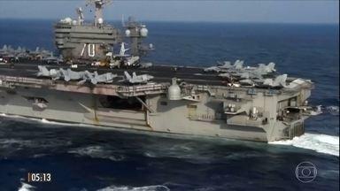 EUA enviam porta-aviões a área próxima da Coreia do Norte - O Carl Vinson é um porta-aviões dos maiores da frota americana e possui um imenso arsenal de mísseis de cruzeiro, balísticos, com um alto poder de destruição.
