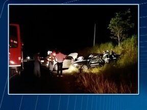 Acidente deixa um homem morto e duas pessoas feridas em Dracena - Carro rodou na pista e atingiu transversalmente outro automóvel.