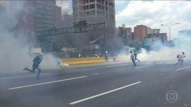 Governo brasileiro e OEA pedem eleições gerais na Venezuela como solução da crise política - Foi mais um dia de protestos e repressão nas ruas de Caracas.