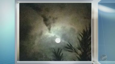 'Na Janela': telespectadora registra lua cheia em Campinas - Foto foi feita na noite de segunda (10).